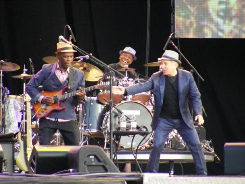 Paul Simon, Ray Phiri & issac mtshalI