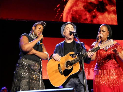Under African Skies. Thandiswa, Paul and Sonti at Ziggodome Amsterdam. Picture taken by my friend Susi.