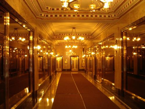 The entrance of the Brill Building NY in 2004
