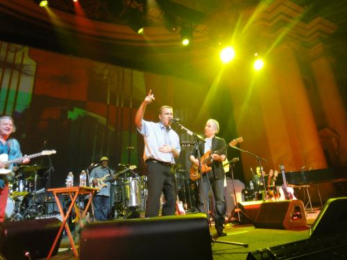 Paul Simon and Paul Fournier on stage at DAR Constitution Hall on May 25, 2011. Photo taken by Mr. Daiji Ido.