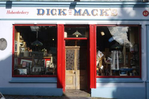 Dick Macks Pub with Paul Simon star, in Dingle, Ireland